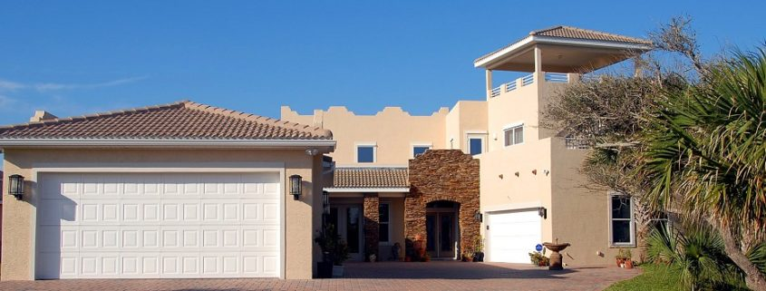 4 Things You Must Consider when Buying Garage Doors banner